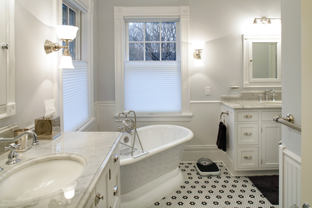 Bathroom remodeling excelsior design group of minnesota for Tub in master bedroom